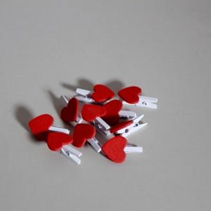 Kolíčky červenobílá srdíčka 10 ks v balení