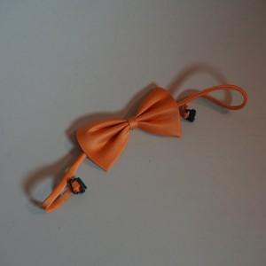 Oranžový dětský motýlek